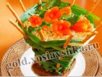 Салат из цветной капусты,свежих огурцов и помидоров