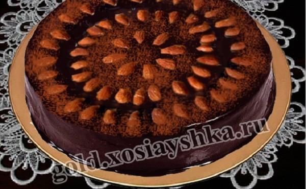 Торт ореховый с шоколадным и ореховым кремос