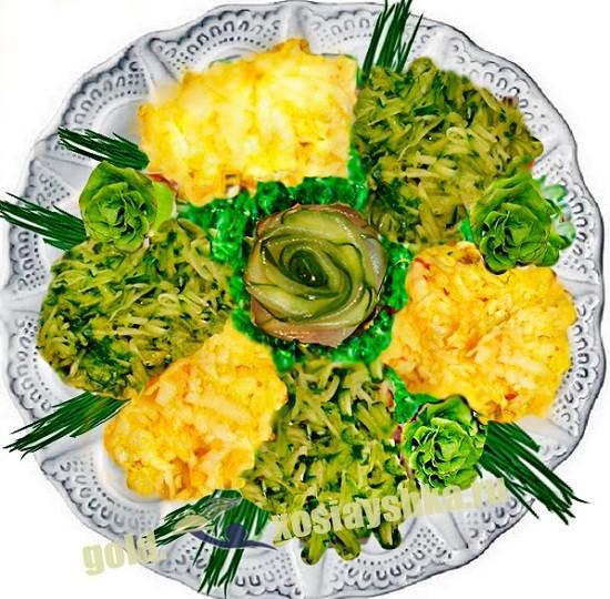 Салат из свежих огурцов и груш