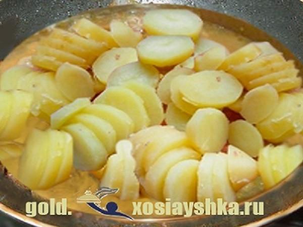 Картофель поджаренный на масле