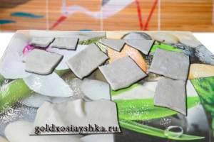 Квадратики из дрожжевого слоеного теста