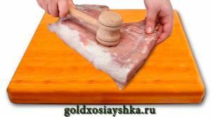 Отбить мясо с двух сторон