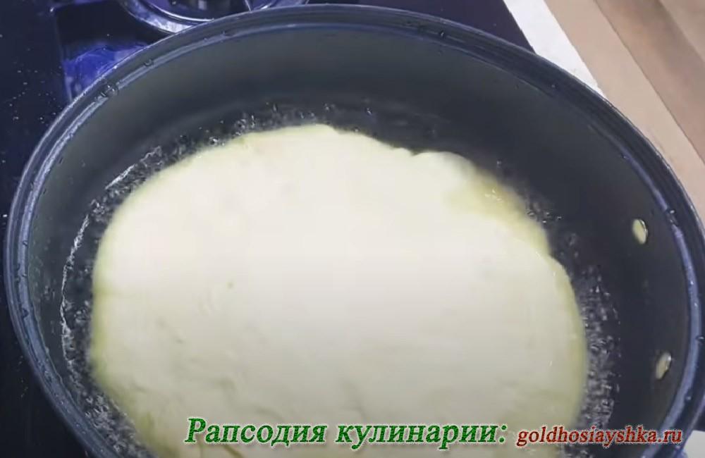 Лепешка на сковороде